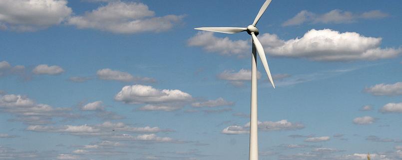 éolienne dans un champs